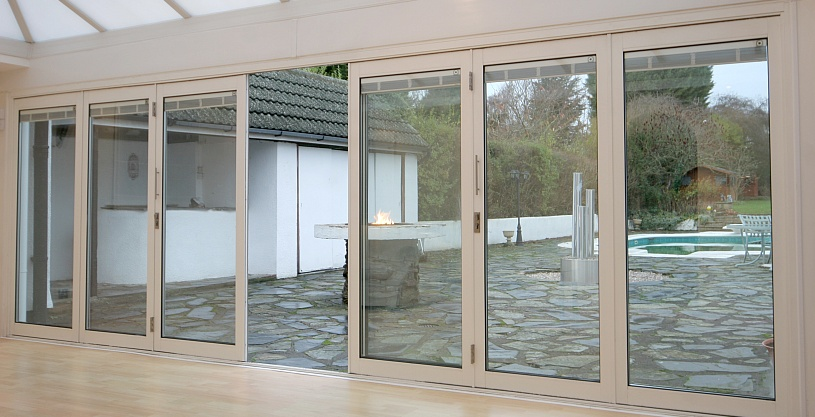bifolding doors with optional integral blinds